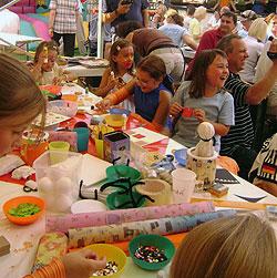 Malen und Basteln beim TriTra Puppentheater für Kinder